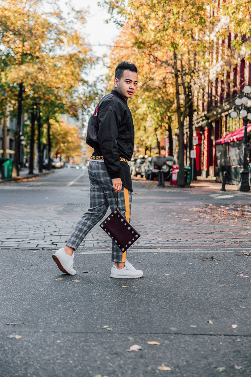 Influencer_Jonathan Waiching Ho_Toronto Fashion Blogger_Vancouver Fashion Blogger_HMoschino_OOTD in Vancouver Top Influencer_3