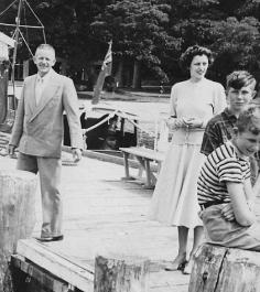 mansion-house-bay-wharf-c1950