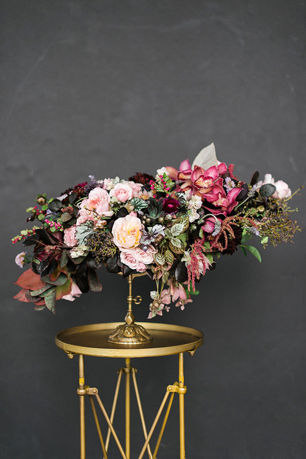 Dramatic wedding flowers by Lindsay Coletta. Rustic White Photography