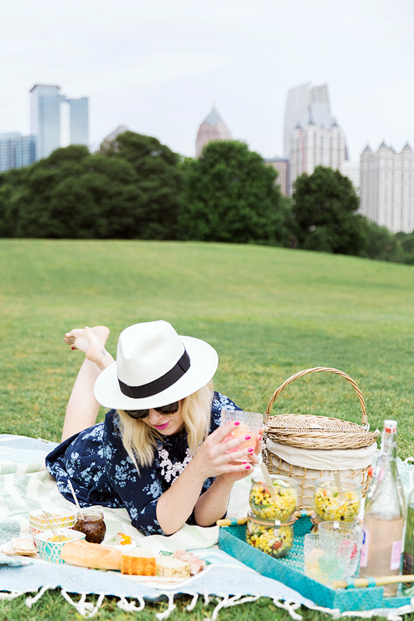 A perfect picnic in the park