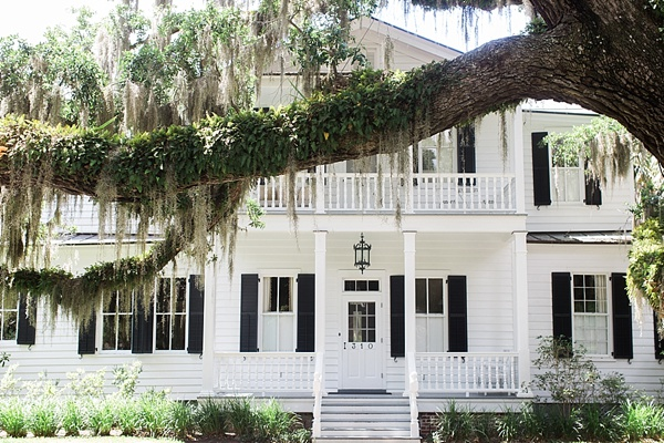 Antebellum homes in Beaufort, SC via Waiting on Martha