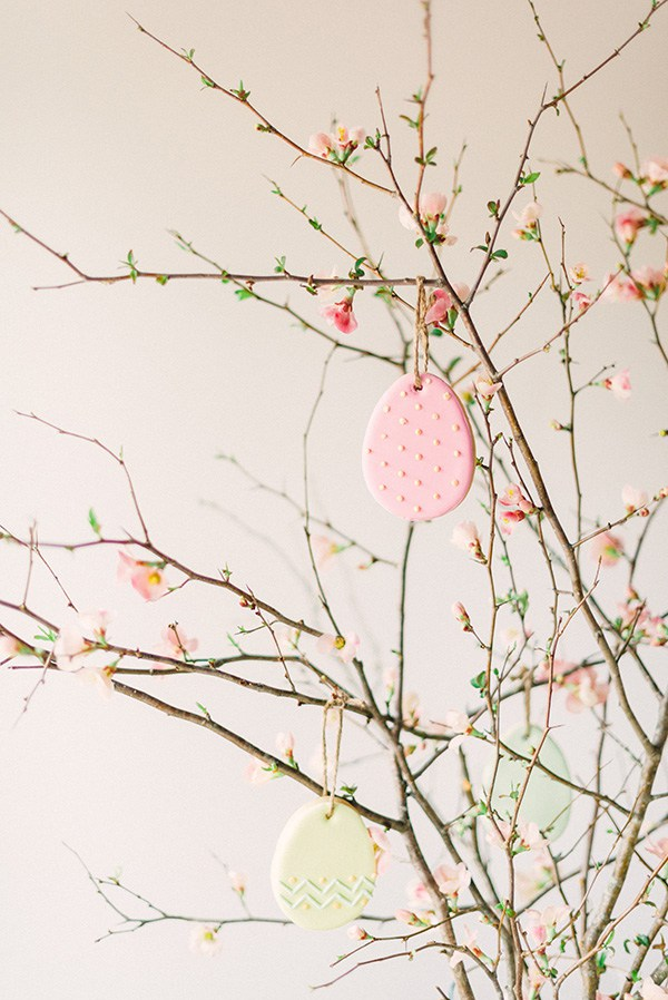Flowering branches with Easter cookies