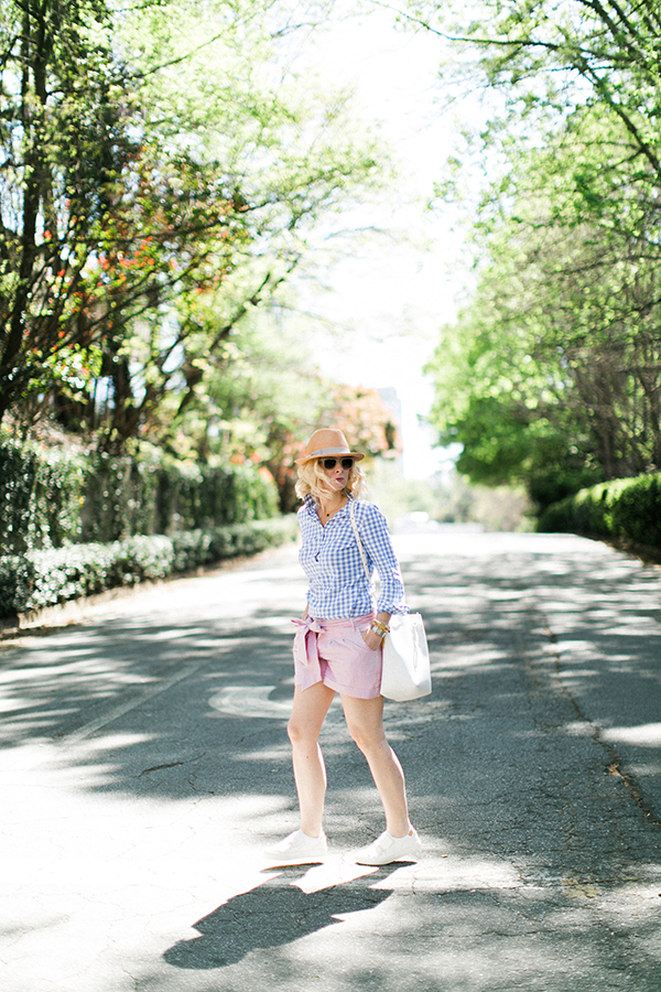 Preppy outfit for Spring | waitingonmartha.com