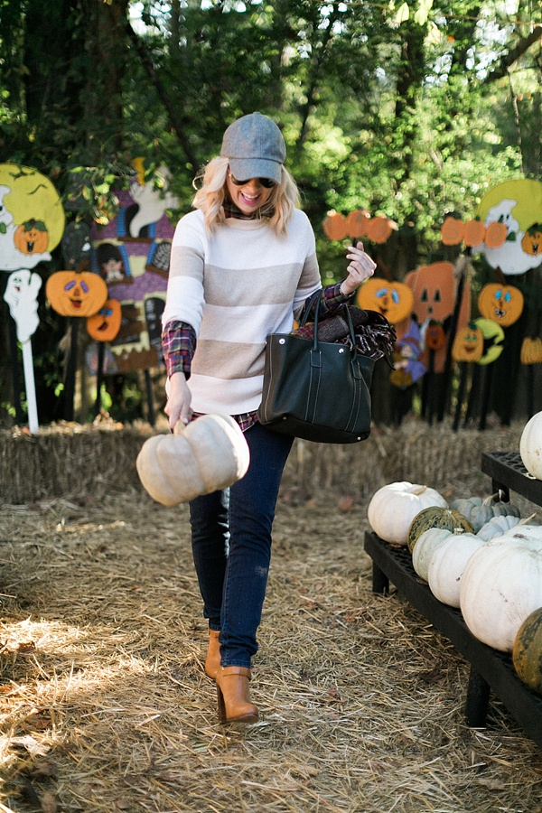 The perfect fall outfit and a trip to the pumpkin patch @waitingonmartha @j.mclaughlin #sponsored #jmclfall #ootd