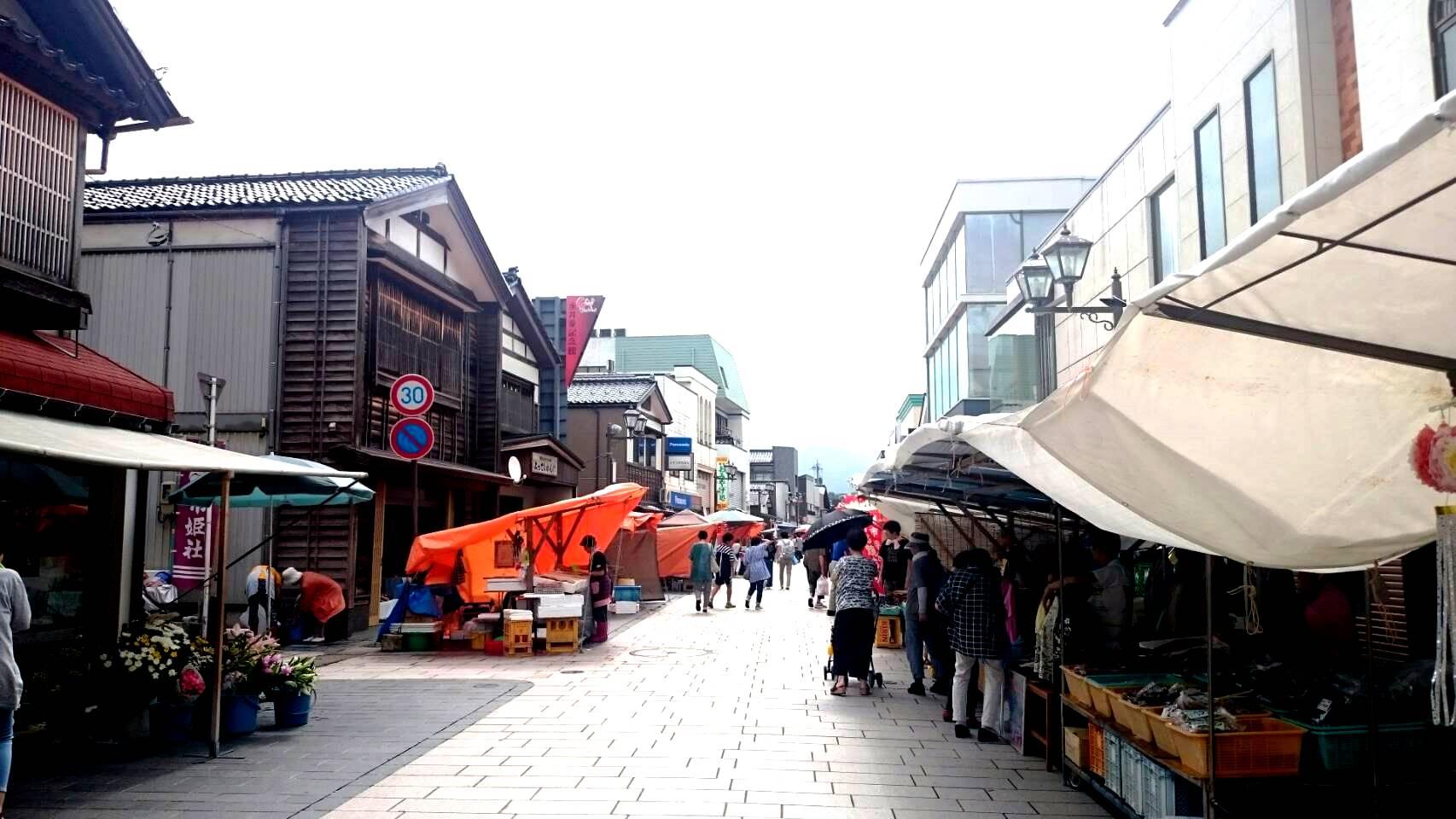 今日の輪島朝市|本日23日は重蔵神社大祭(河井町)が行われます。