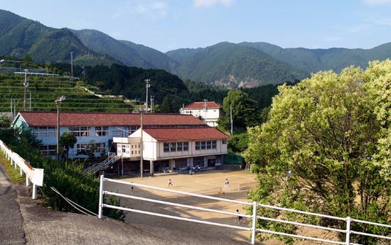 色川中学校