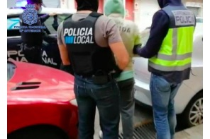 Two arrested at cannabis association establishment in Palma Dozens of customers every day
