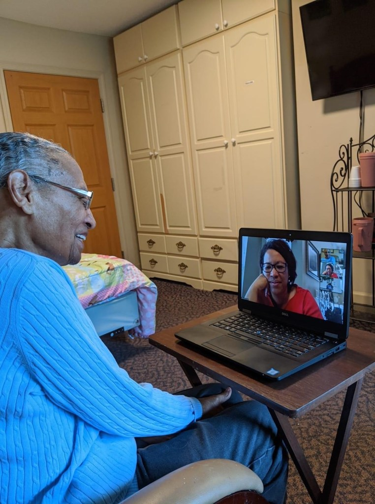 Residents at Chatham Commons stay connected with technology