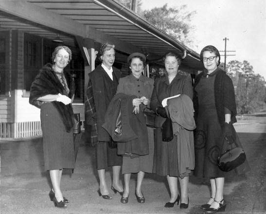 5 Train Ladies