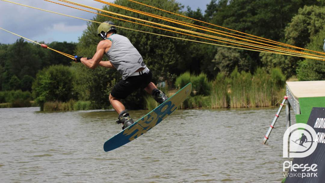 Wakeboard Pontchâteau : apprendre et pratiquer le wakeboard près de Pontchâteau