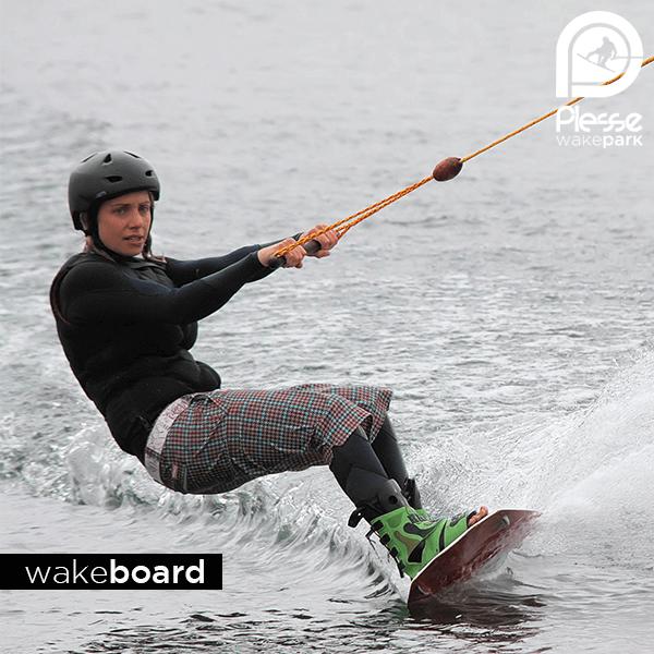 Wakeboard Nantes Rennes Vannes - Téléski nautique / Cable Park / Wake Park - Plessé