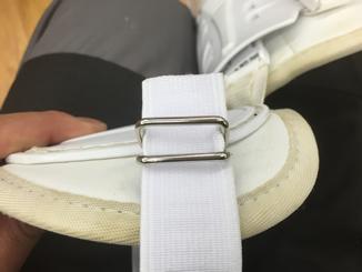 レッグガードのベルトは自分でも交換できます。