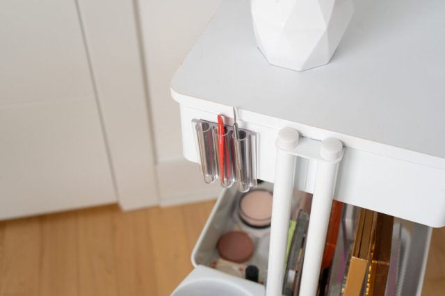magnetic organizer for pens