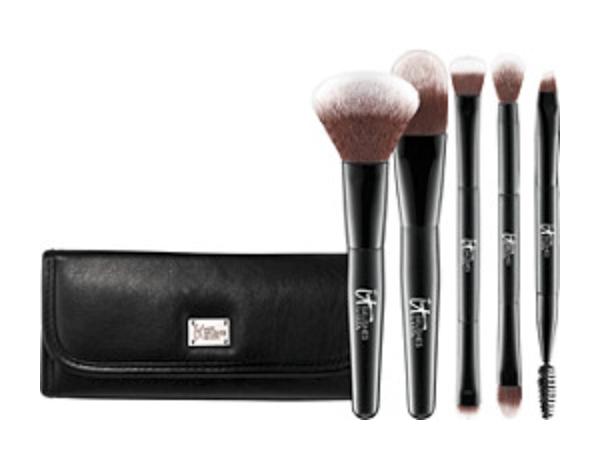it cosmetics travel brush set