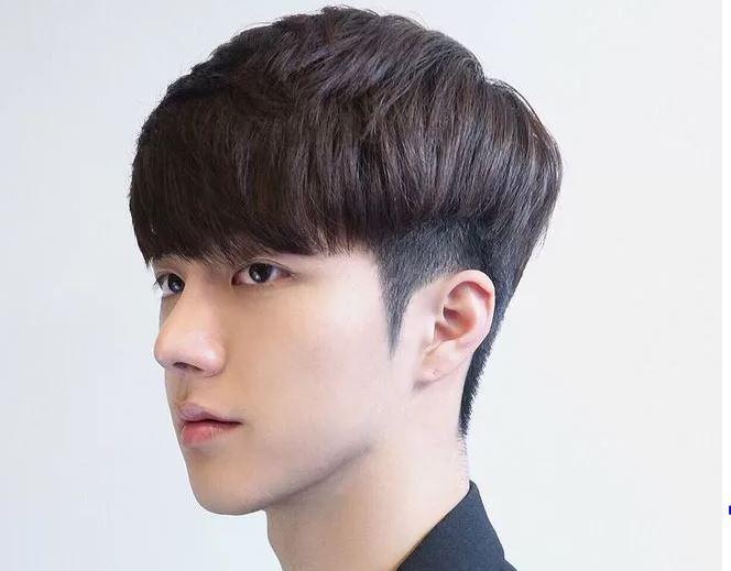 Model rambut pria poni depan