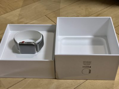 Apple Watch Series3を購入。開封写真です。