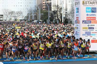 東京マラソンスタート時点はすごい人です