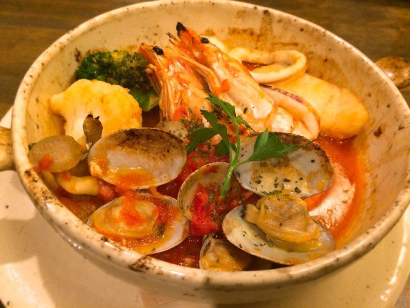 具沢山魚介のトマト煮込み 松江 夜カフェ