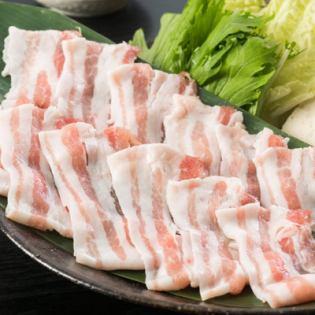 鹿児島県産黒豚の豚骨しゃぶしゃぶ