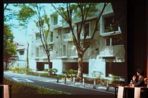 今回の紹介は氷川参道沿いに建つ4階建の店舗・住宅です