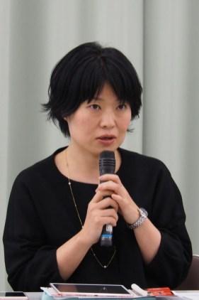 モデレーター・内田奈芳美さん