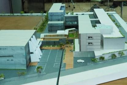 模型(左は与野本町コミセン)