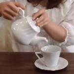 碁石茶を入れる画像