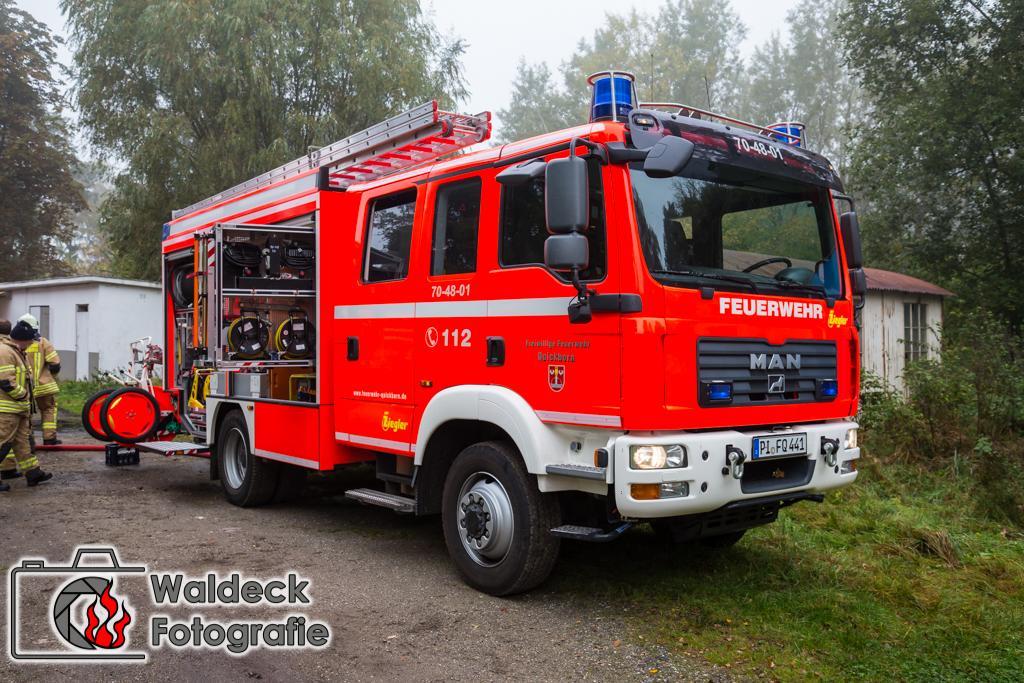 24102016  Feuer zerstrt Unterstand bei alter