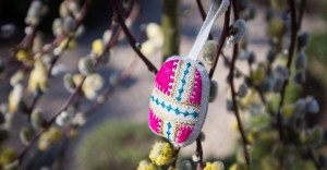 Coral&Tusk Easter Decoration