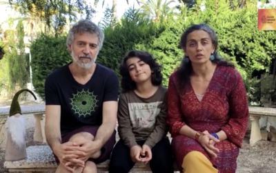 testimoni familiar: Elena i Carlos, pares d'Arun.