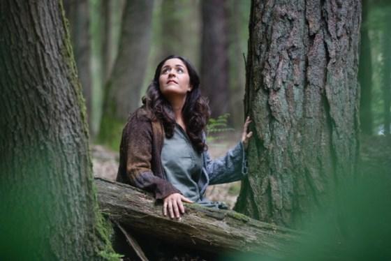 Tala Mohajeri im Wald