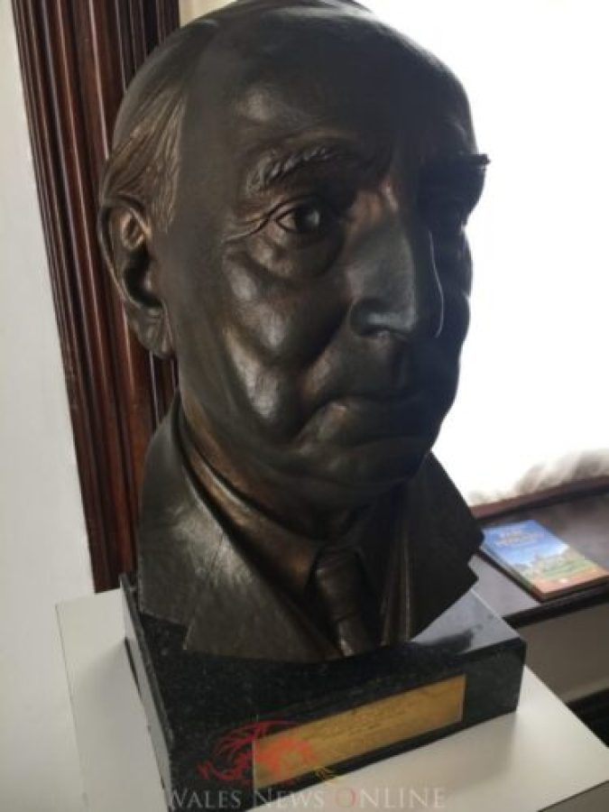 The bust of Jim Griffiths MP at Parc Howard