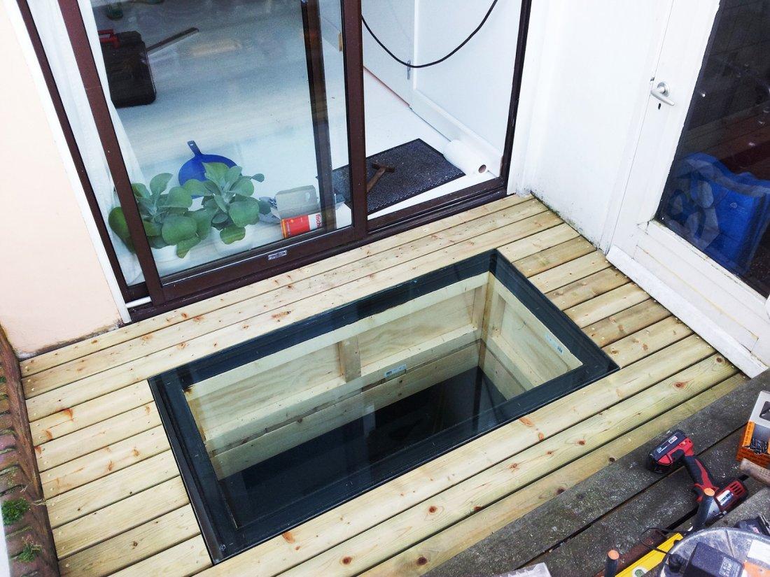 Beloopbaar glas in dak  walhallacom