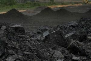 emas-hitam-batubara-yang-menjadi-primadona-di-tahun-2014-mendatang-karena-pemilu_hendar