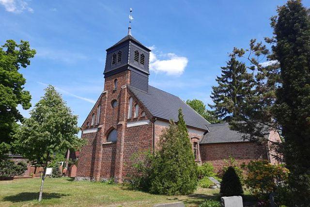 Schmucke Kirche in Reichenwalde