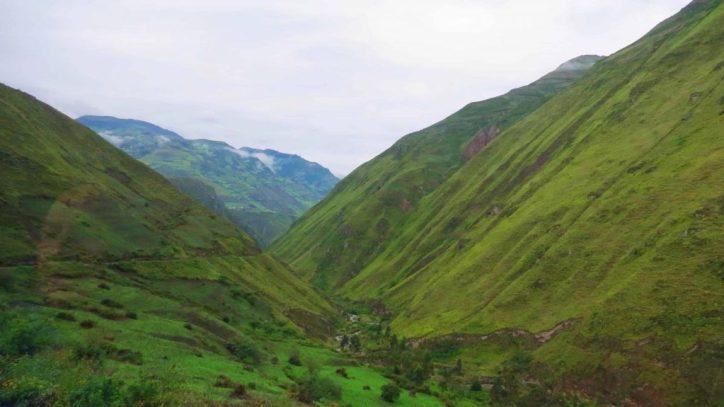 view from ecuadors most danergous train ride