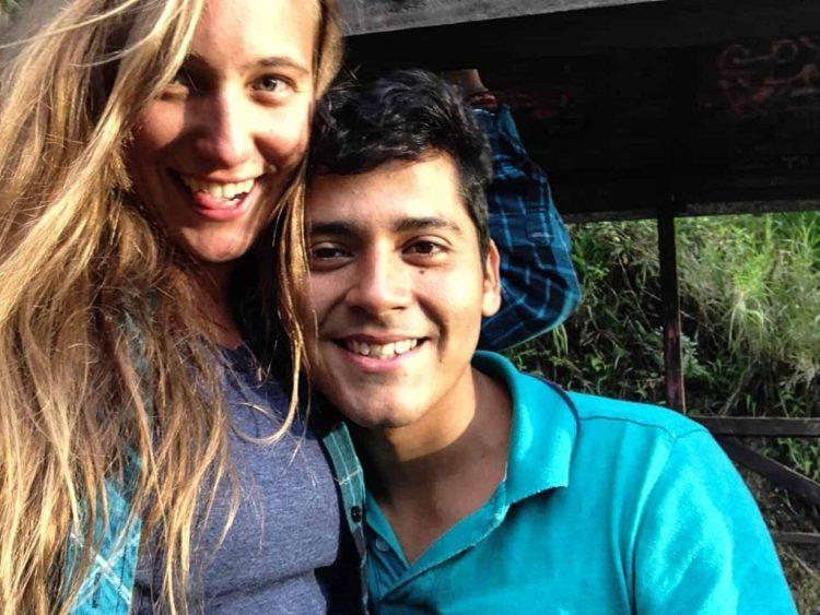 travel friends fall in love