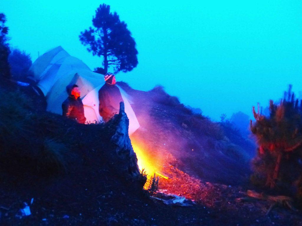 watching volcano fuego erupt from acatenango climb