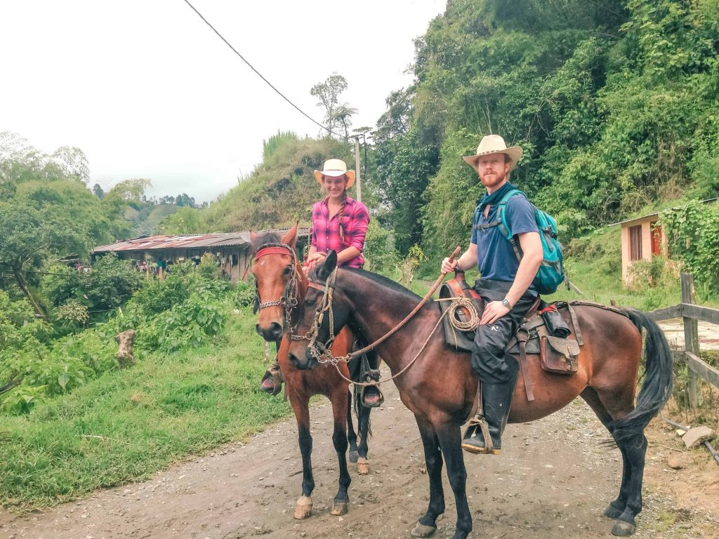 horseback riding salento colombia valle de cocora