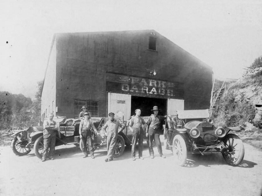 Ashland, Park Garage (original business name for Oak Street Tank)