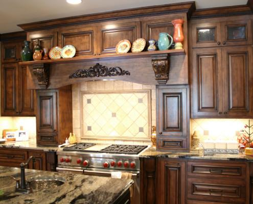 custom mantle hood,corbels,crown molding,kitchen,decorative details,traditonal