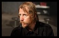 "Lew Temple, Axel em The Walking Dead, fala sobre o episódio 10: ""Home"""