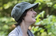 Promovendo a 7ª temporada de The Walking Dead: Entrevista com Gale Anne Hurd