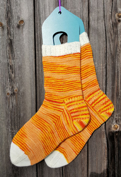 candy_corn-socks1