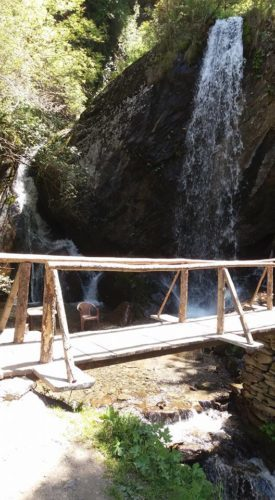 jana waterfall manali