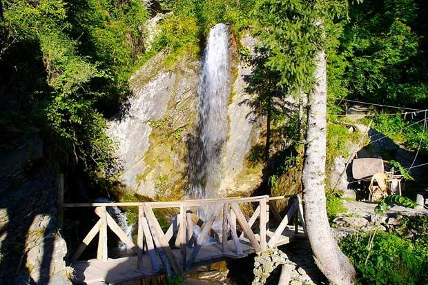 jana water fall manali one of the best tin himachal pradesh