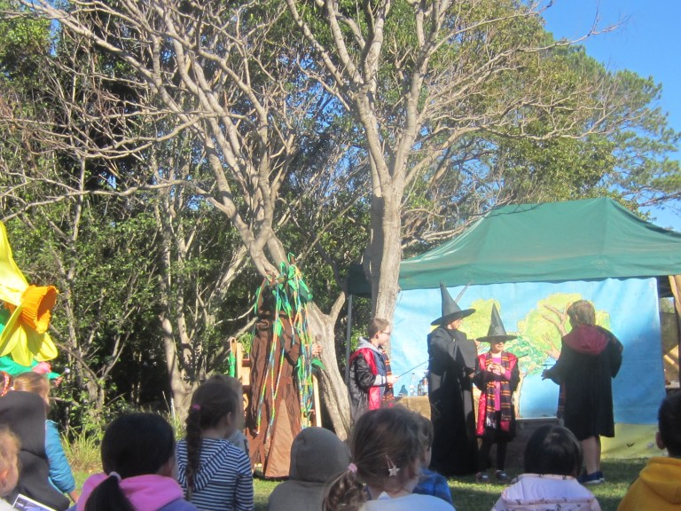Outdoor theatre for kids, Wollongong Botanical Gardens