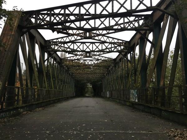 Railway bridge cycle route 62