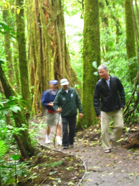 boys-on-trail