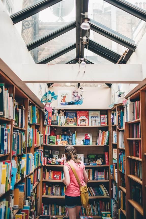 London Portobello Road Bookshop min